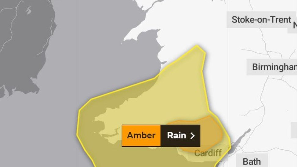 Weather warning as heavy rain predicted to cause flooding in Powys
