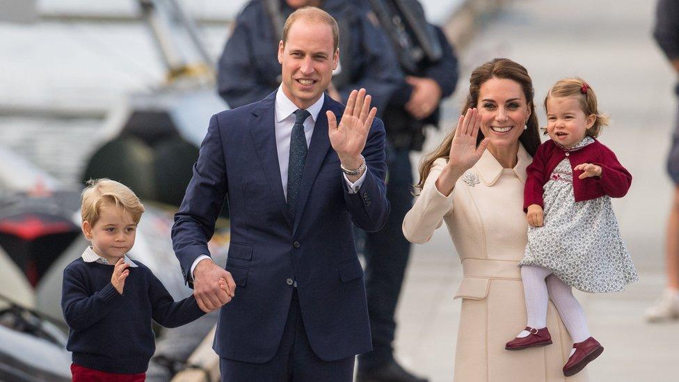 El duque y la duquesa de Cambridge y sus dos hijos.