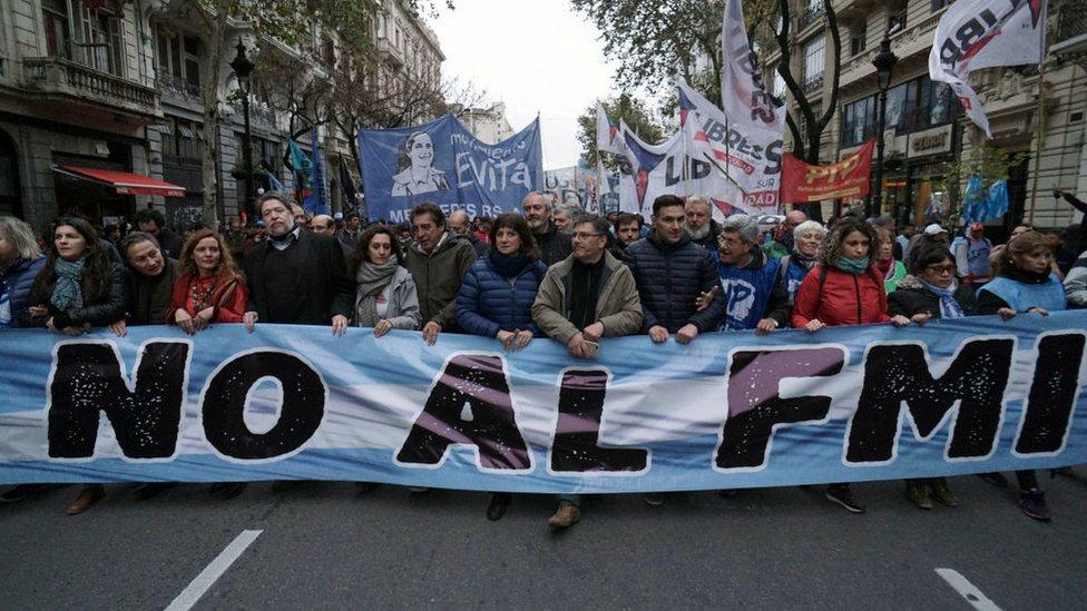 Marcha contra el FMI en Buenos Aires, Argentina.