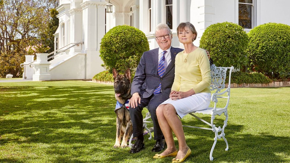 Official photo portrait of the Governor, Mrs de Jersey and Gavel.