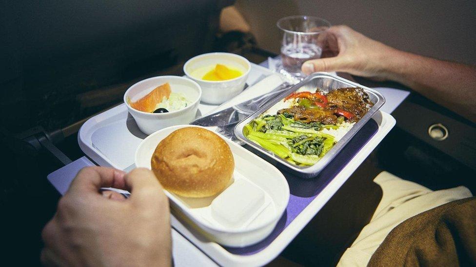 uçakta yemek