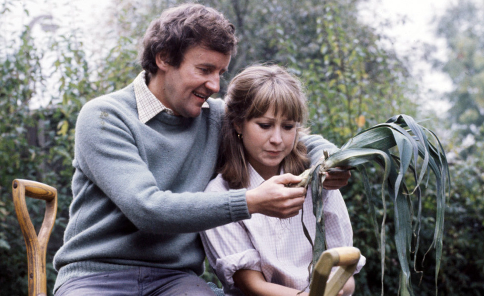 Richard Briers and Felicity Kendal in the sitcom The Good Life