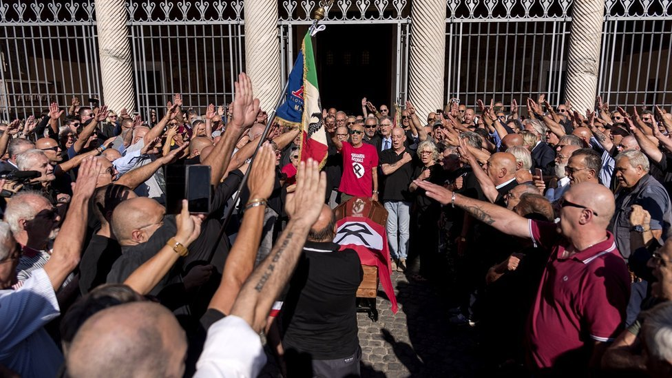 Manifestación fascista