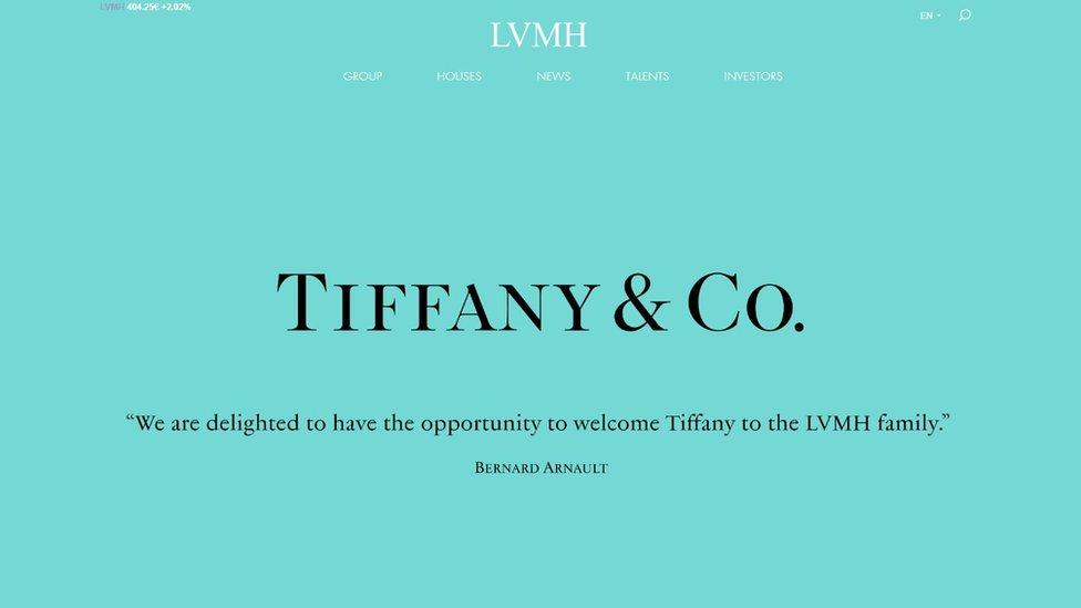 Tiffany's şirketini bünyesine kattığını açıklayan LVMH, internet sitesini ikonik şirketin mavi rengine boyadı