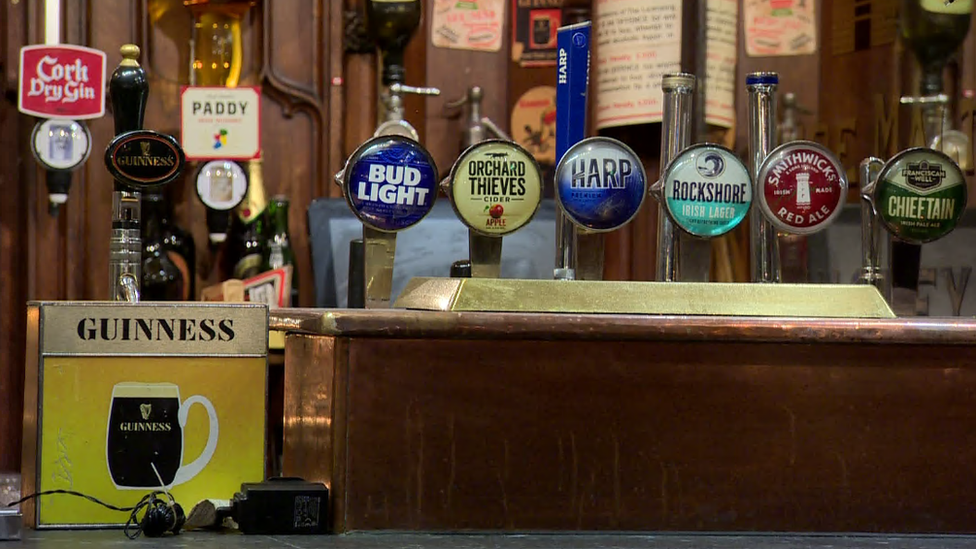 Coronavirus Irish Pubs And Restaurants Could Cut 2m Rule Bbc News