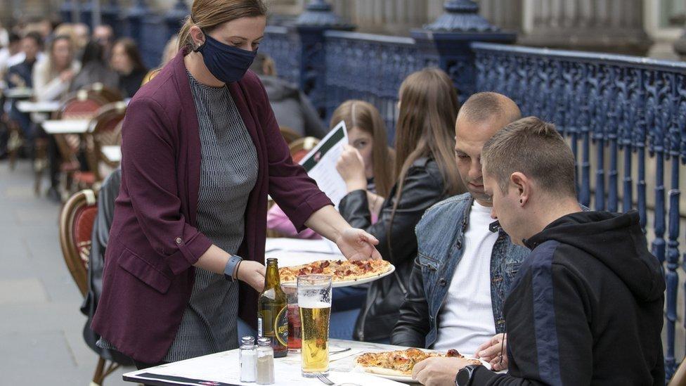 Di Maggios outdoor restaurant area in Glasgow