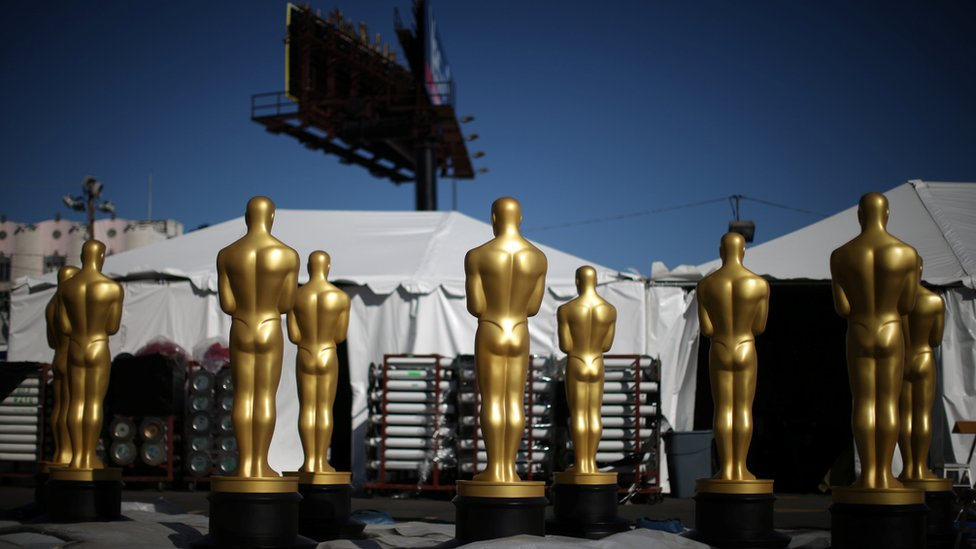 Giant Oscars statues