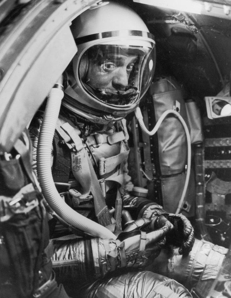 Alan Shepard, 5 de mayo de 1961, antes del lanzamiento.