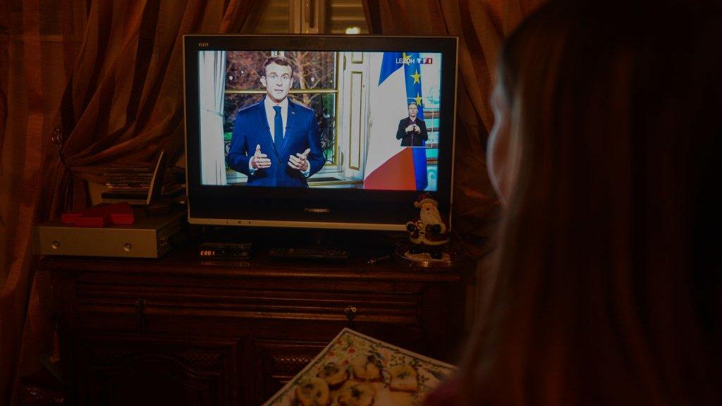 Emanuel Makron, Nova 2019. godina, obraćanje na televiziji