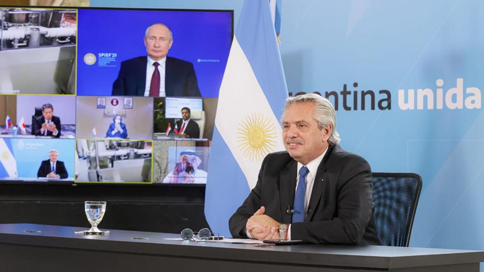 Alberto Fernández en videoconferencia con Vladimir Putin