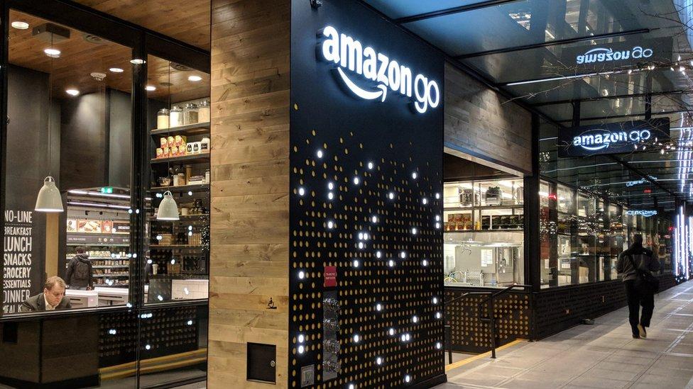 Un empleado de Amazon dijo en octubre que habrá más inauguraciones próximamente.