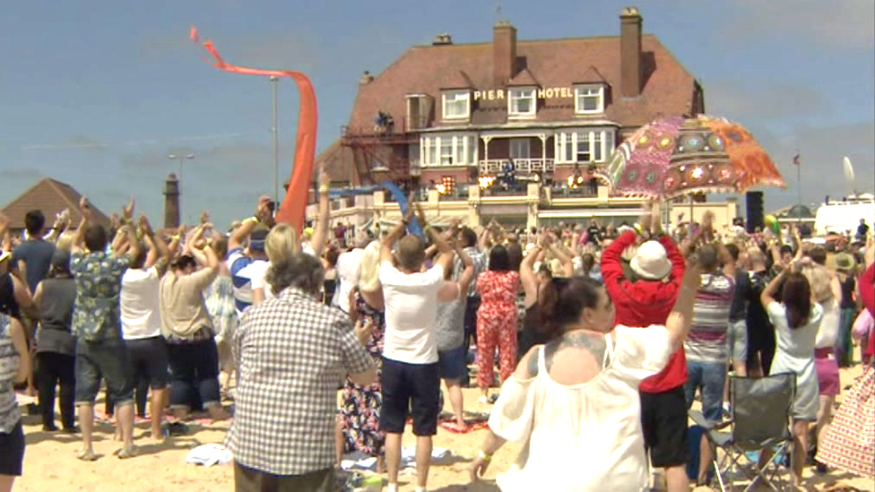 Crowd at Gorleston beach