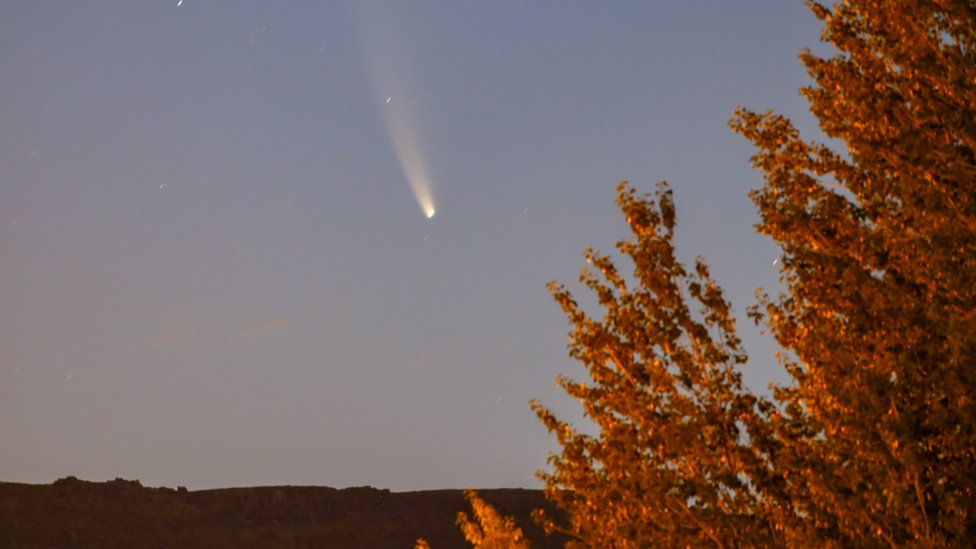 Komet Neowise terlihat di langit Provinsi Van, Turki pada 22 Juli