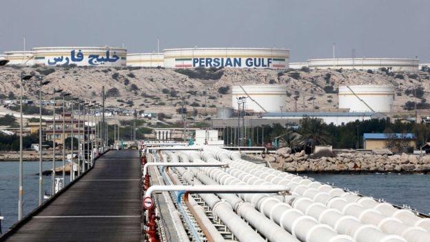 تستمر إيران في بيع نفطها لبعض الدول