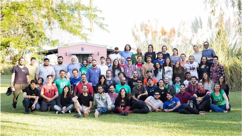 Una foto de los empleados de 10Pines