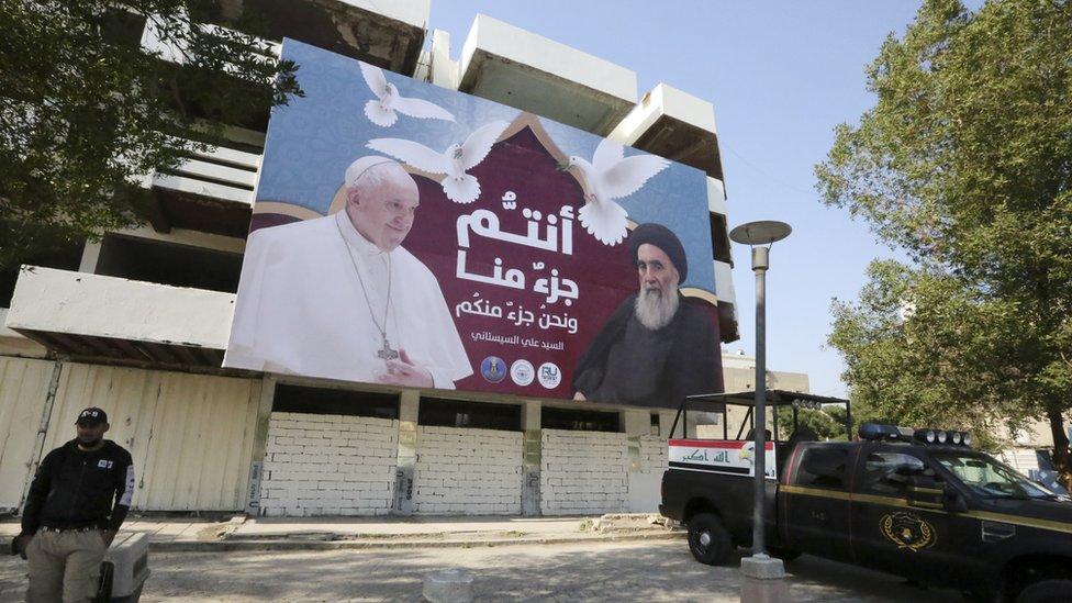 Foto del Papa con el ayatolá Ali al Sistani.