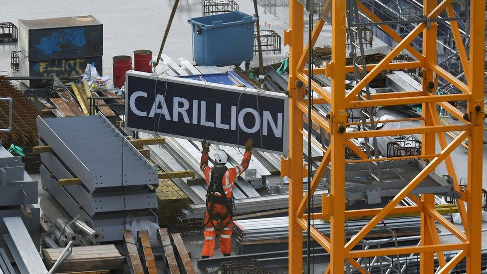 Carillion crane