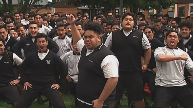 Jonah Lomu's school pay haka tribute