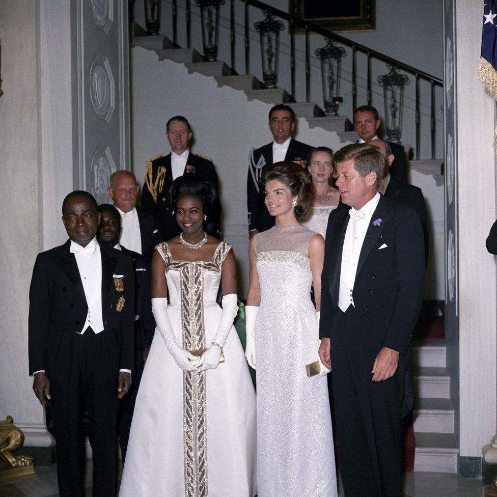 Presiden Kennedy mengadakan makan malam kenegaraan