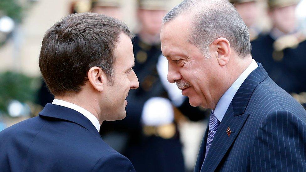 إردوغان وماكرون (أرشيفية)