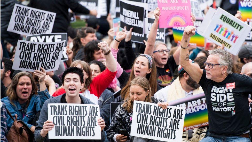 Unjuk rasa di luar gedung Mahkamah Agung, tahun lalu.
