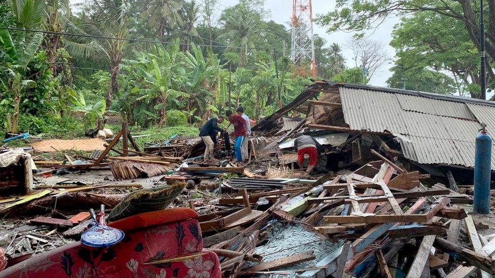 Escombros dejados por el tsunami