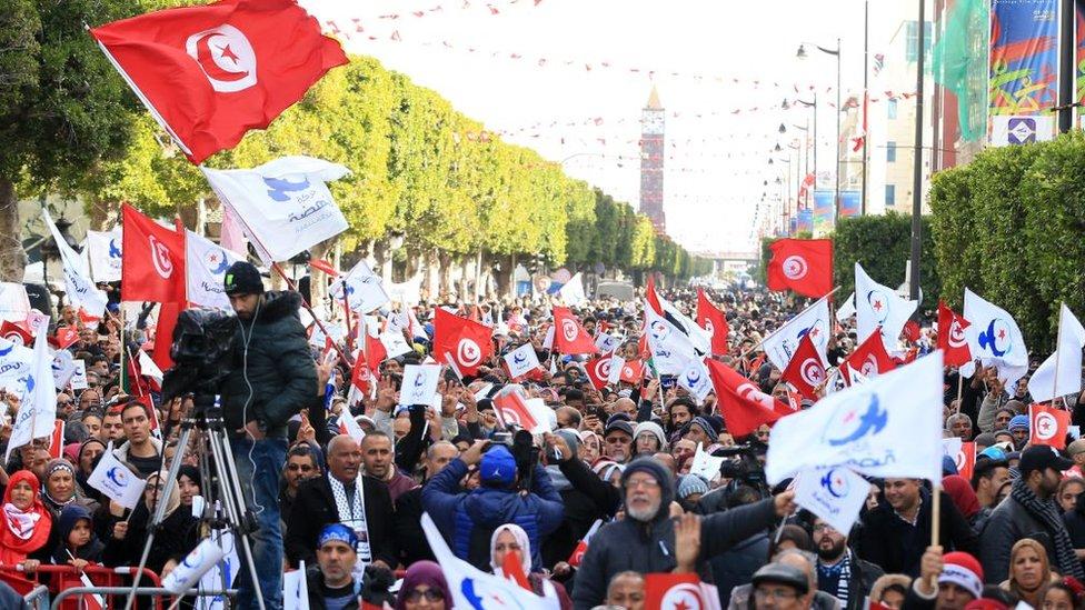 أنصار حركة النهضة التونسية في مسيرة لإحياء الذكرى الثامنة لاندلاع انتفاضات الربيع العربي (أرشيفية)