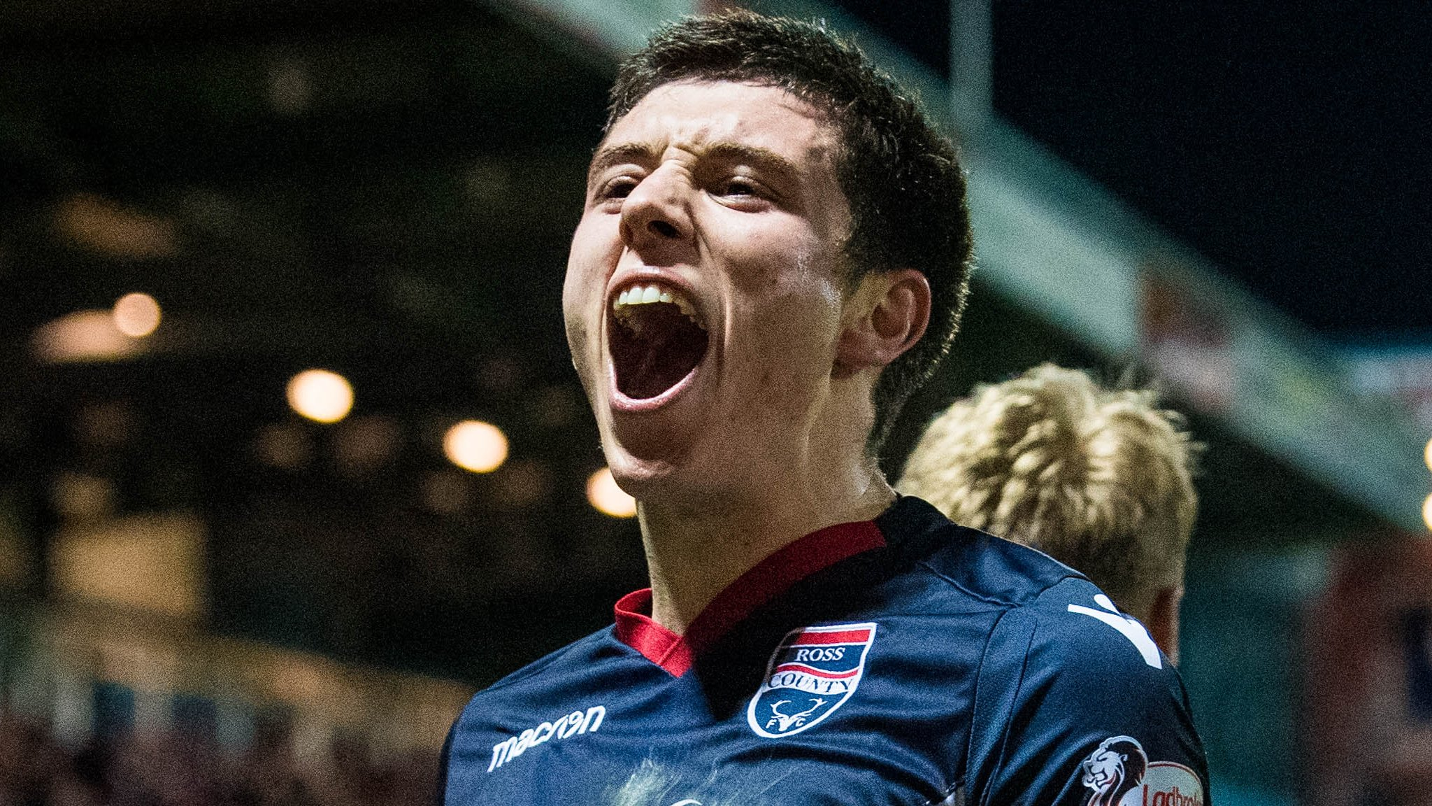 Ross County 2-1 Inverness CT: Stewart's late goal clinches win