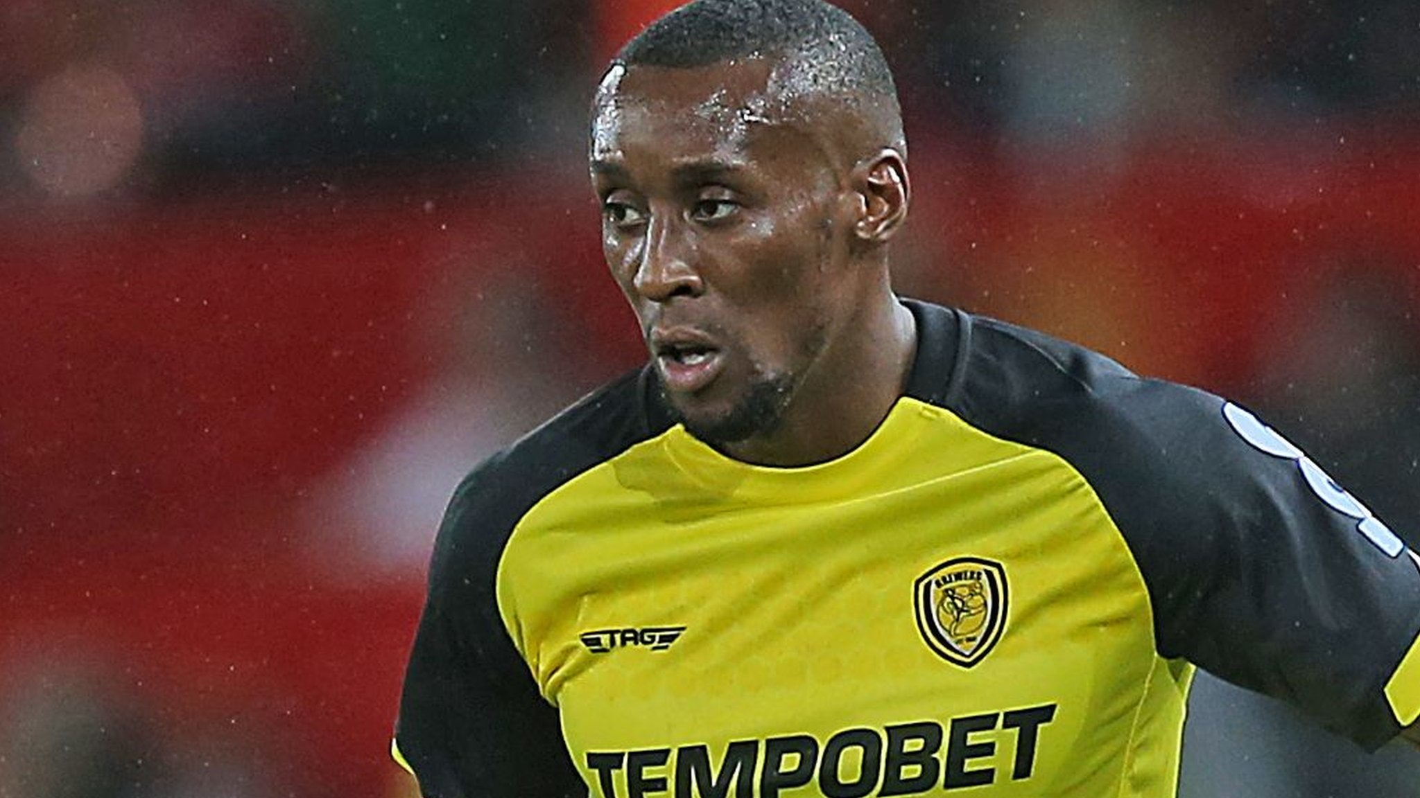 Lloyd Dyer: Bolton Wanderers sign winger on short-team deal