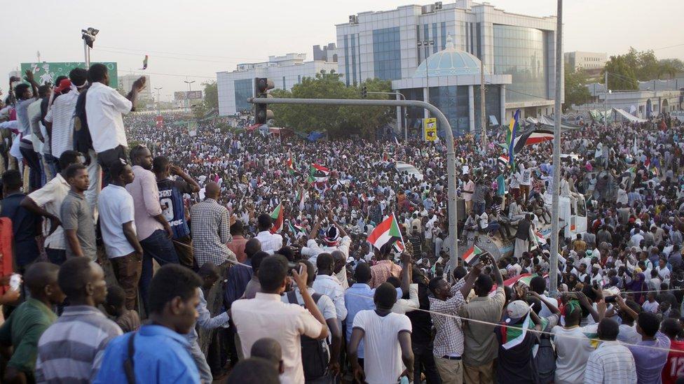 المتظاهرون في الخرطوم