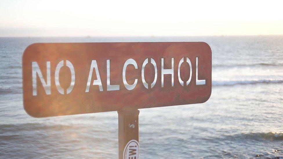 Una señal en Malibú