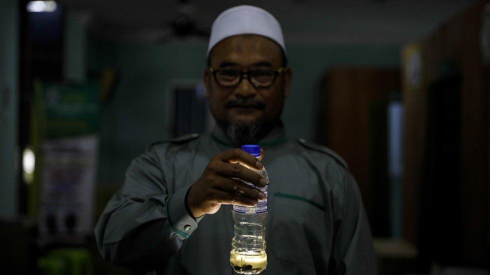 Ustaz Zaki