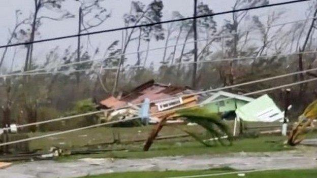 Kerusakan akibat topan Dorian di Bahama.