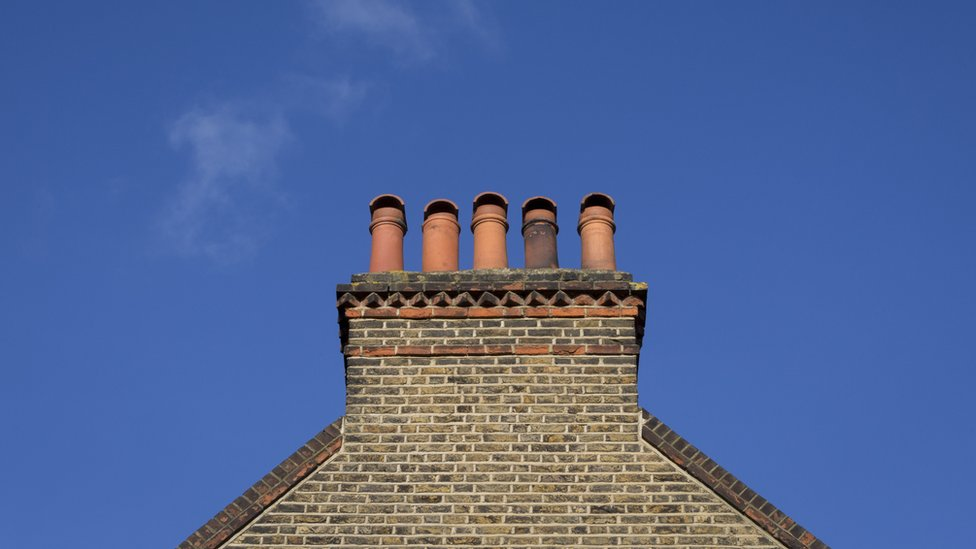 CO2 emissions from UK housing 'go up'