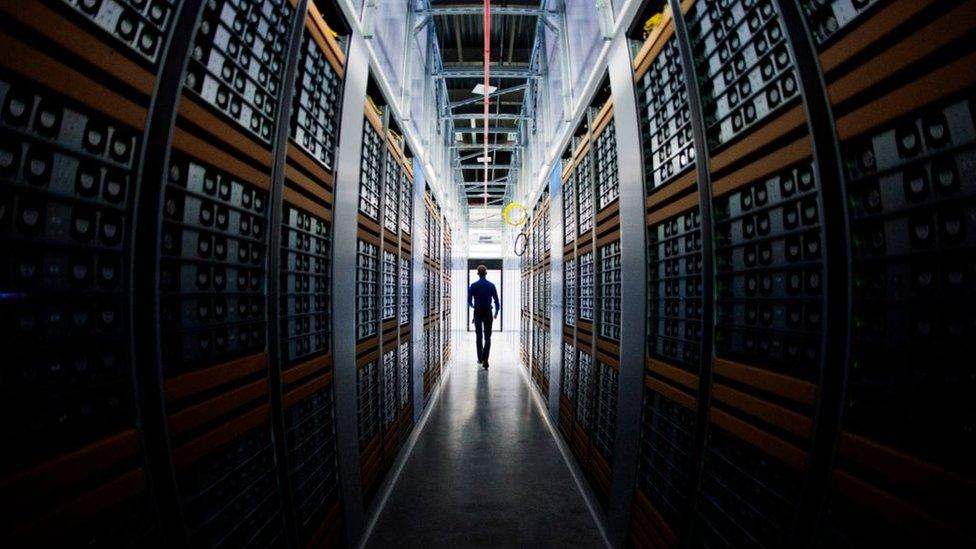 servidores de Facebook en Suecia
