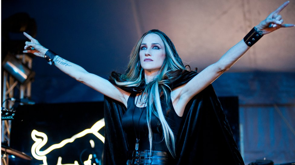 Huntress frontwoman Jill Janus dies at 43