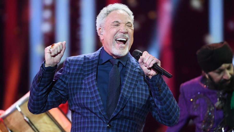 Sir Tom Jones 'determined' to return to performing