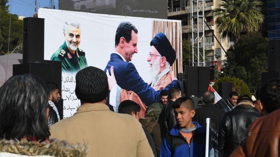 Protesta en Siria contra la muerte de Soleimani.