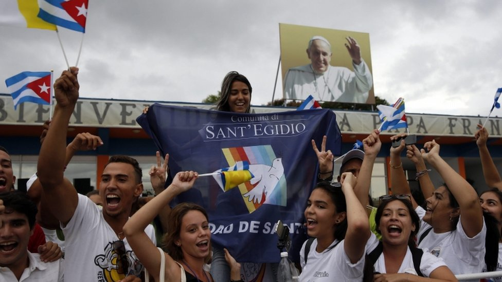 Cubans celebrate the arrival of the Pope, 19 Sept