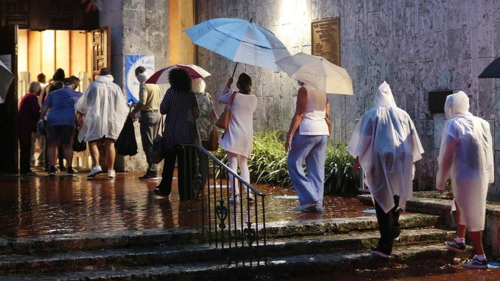 Выборы в США: во Флориде очереди у избирательных участков. Европа тихо надеется на Байдена