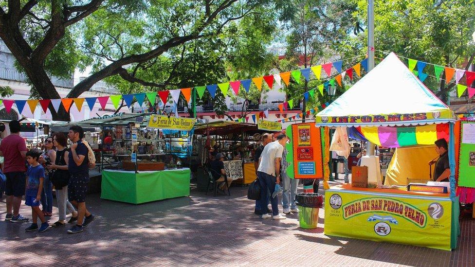 La Feria de San Telmo es una feria de antigüedades que se realiza cada domingo en la Ciudad de Buenos Aires.