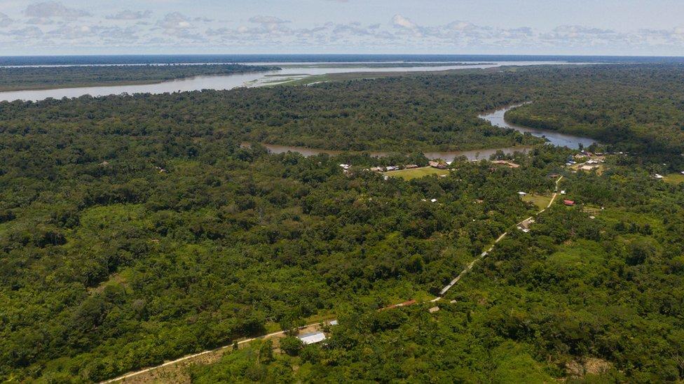 Vista aérea del río Ampiyacú en Perú