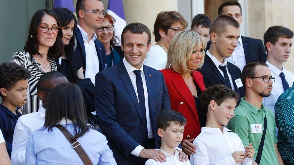 الرئيس الفرنسي إيمانويل ماكرون عام 2017 في باريس ألقت الضوء على الحاجة إلى وعي أكبر بالتوحد