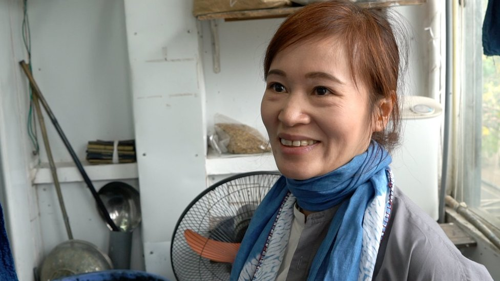 Duong Thi Thanh in her workshop