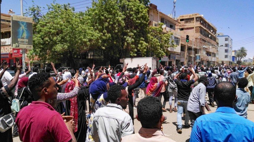 شهدت العديد من مدن السودان احتجاجات