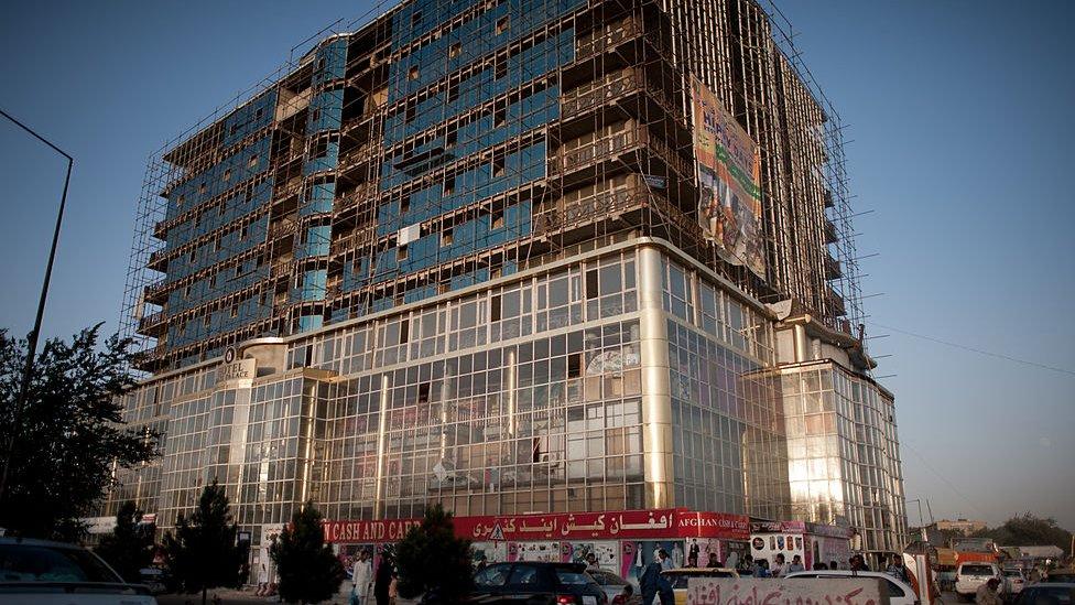 Edificio nuevo en Kabul.