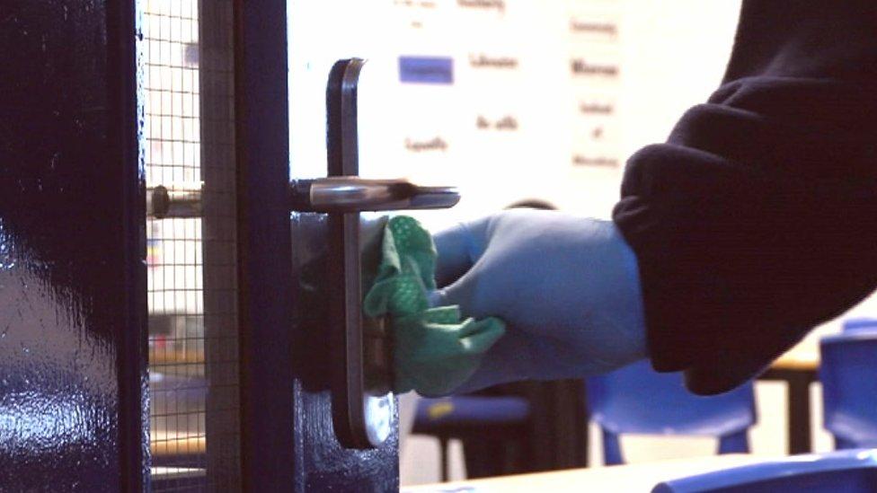 Flu-hit Southampton school remains closed