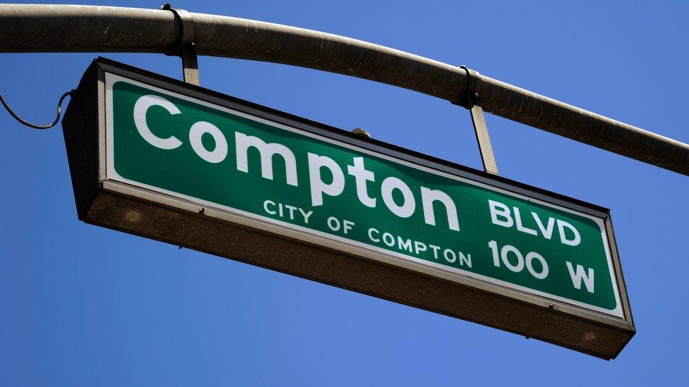 Compton sign