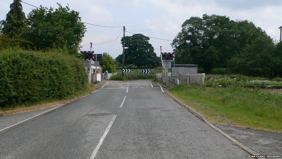 Broad Oak level crossing
