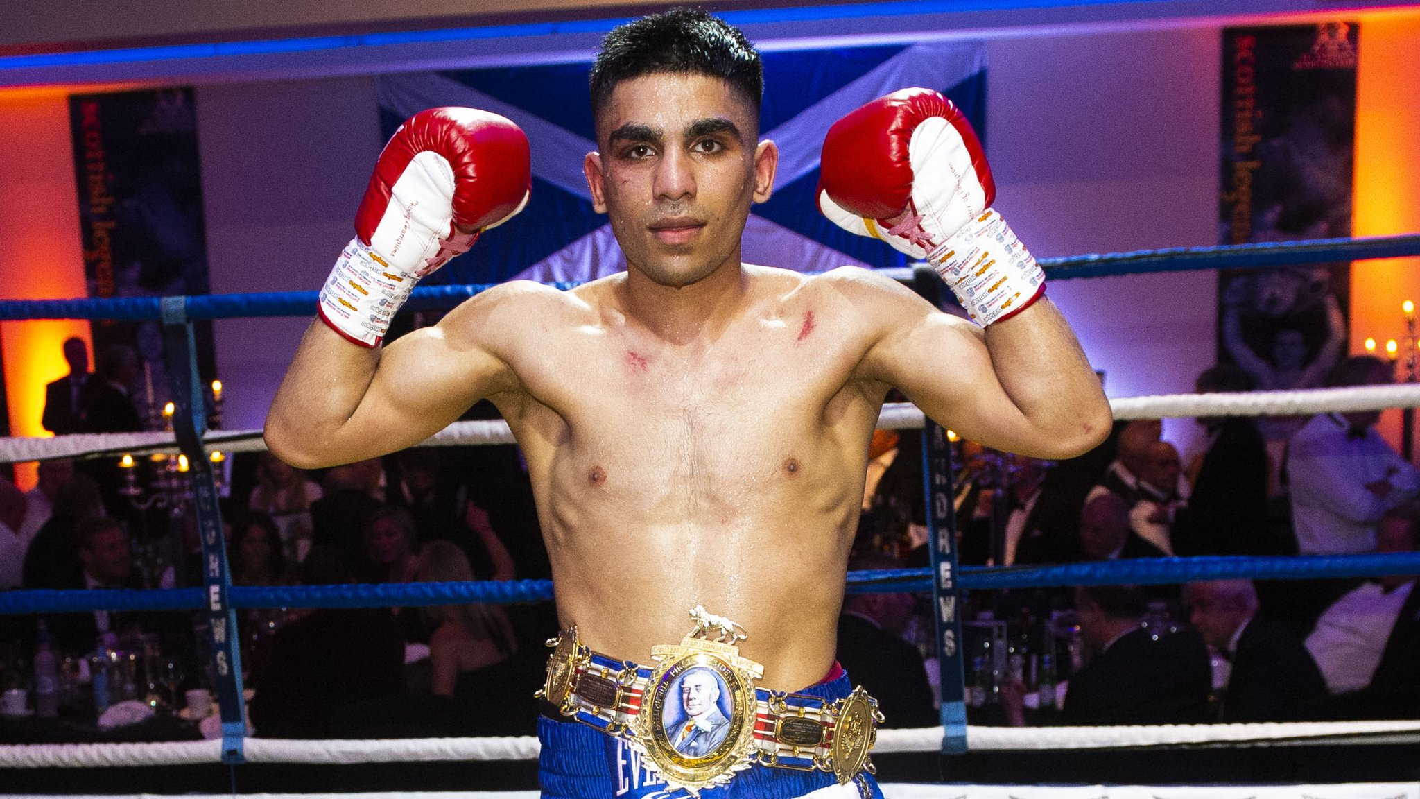 Kash Farooq stops Kyle Williams in fifth round to retain British bantamweight title